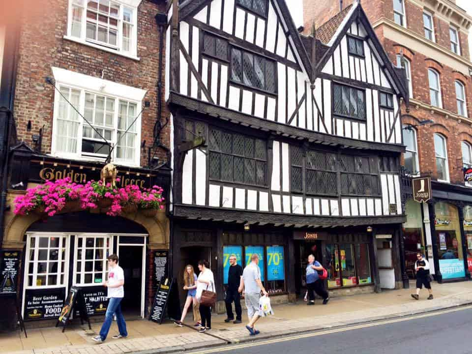 One of the most haunted pubs in Britain - The Golden Fleece