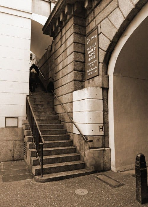 A picture of Nancy's Steps in London