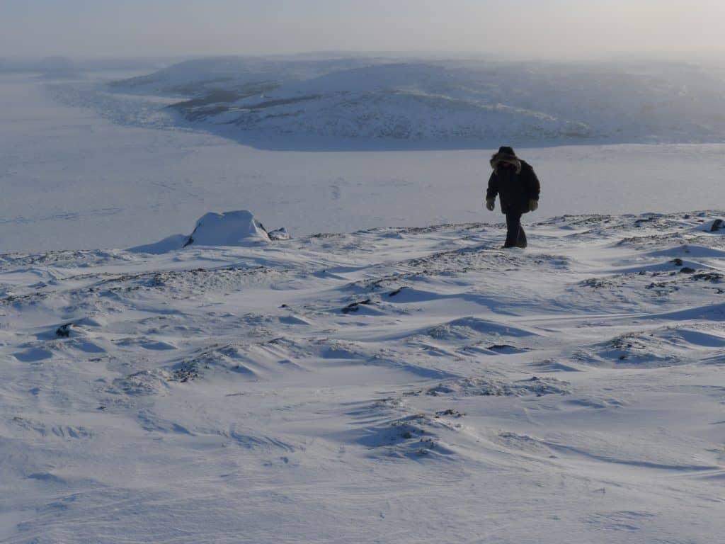 Daniel Hume crossing the frozen arctic