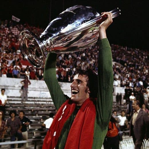 Ray Clemence holding the European Cup aloft