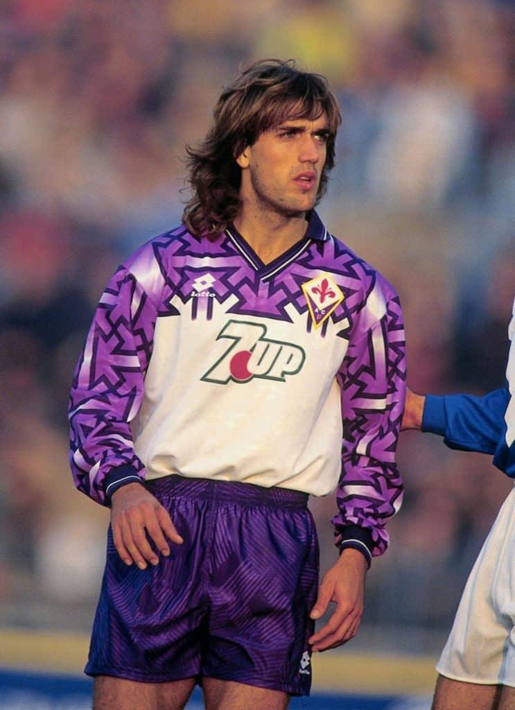 Gabriel Batistuta in the 1992 Fiorentina away kit