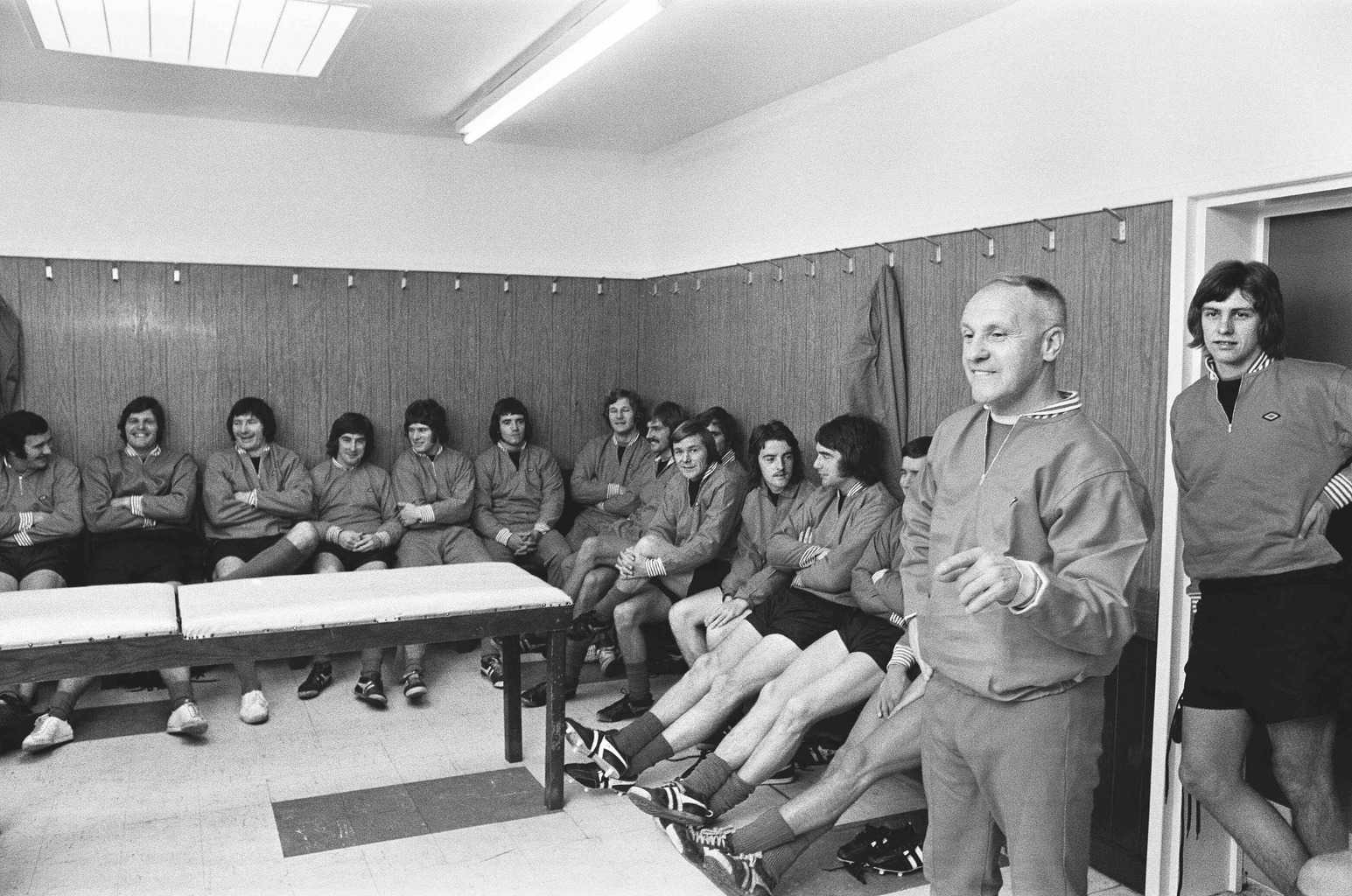 Bill Shankly addresses the Liverpool players in the dressing room
