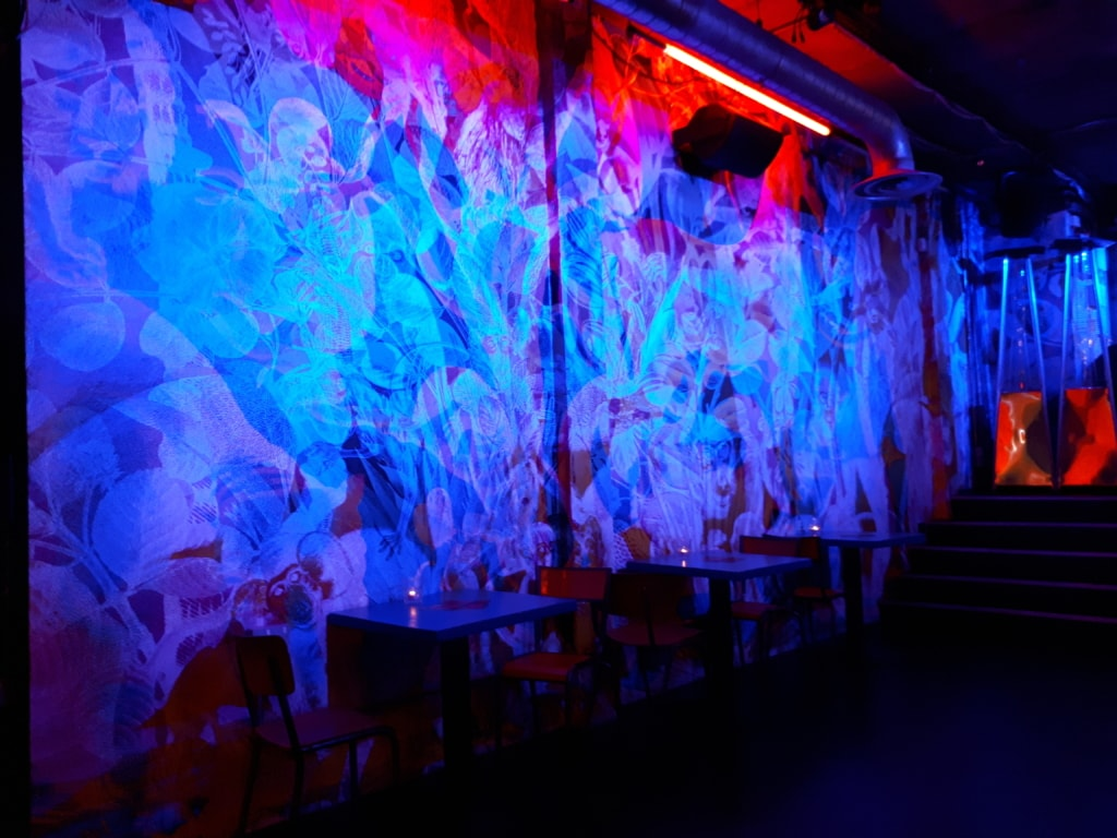Printed wallpaper in the walls of the Hoxton Square Bar & Kitchen