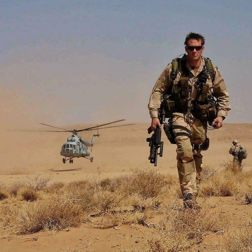 Former soldier Jason Fox on duty back in the day. Credit: Instagram - @jason_carl_fox