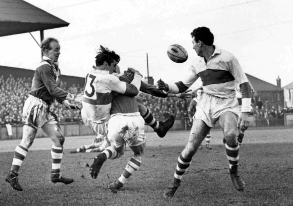 Vince Karalius in action for St Helens
